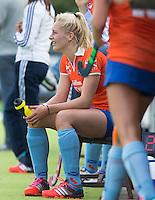 AMSTELVEEN - HOCKEY - tijdens de eerste competitiewedstrijd van het nieuwe seizoen tussen de vrouwen van Pinoke en Bloemendaal. COPYRIGHT KOEN SUYK