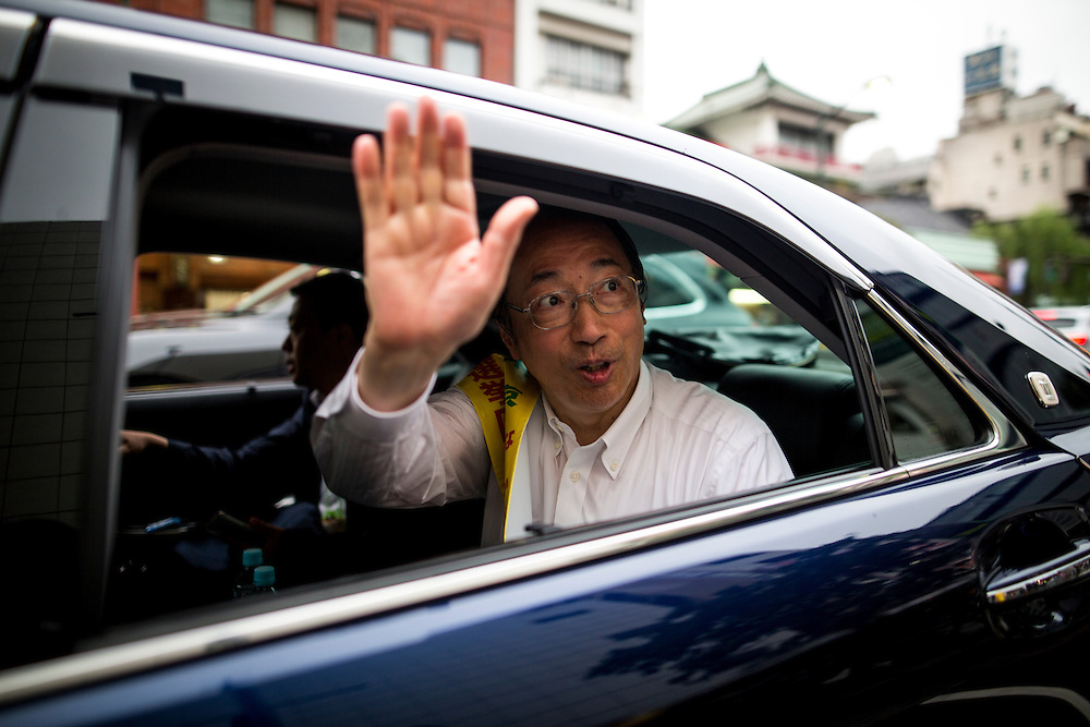 TOKYO, JAPAN - JULY 9 :  Masaharu Nakagawa a candidate from Liberal Democratic Party (LDP) waves to supporters after the speech during the last day of 2016 Upper House election campaign outside of Asakusa Station in Tokyo, Japan on July 9, 2016. Tomorrow, July 10, 2016 will be the first Upper house election nation-wide in Japan that 18 years old can vote after Japanese government law changes its voting age from 20 years old to 18 years old. (Photo by Richard Atrero de Guzman/NURPhoto)