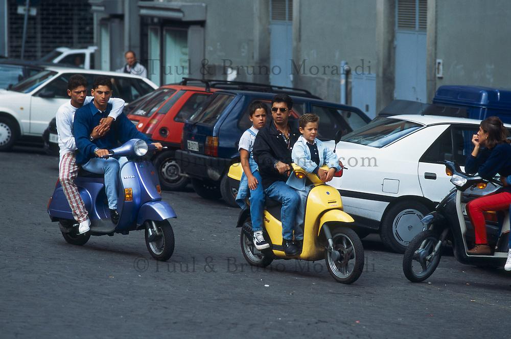 moto scooter naples