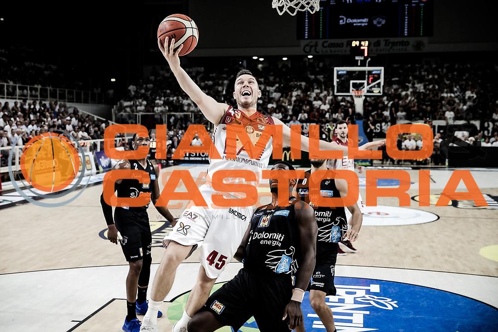 Bertans Dairis<br /> Dolomiti Energia vs Trentino EA7 Olimpia Milano <br /> Lega Basket Serie A 2017/2018<br /> Finale<br /> Gara 3<br /> Trento, 09/06/2018<br /> Foto Ciamillo Castoria