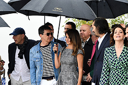 May 18, 2019 - Cannes, France - 72eme Festival International du Film de Cannes. Arrivée au photocall du film ''Douleur et Gloire''. 72th International Cannes Film festival. ''Dolo y Gloria'' cast arrives for photocall under rain....239402 2019-05-18  Cannes France.. Banderas, Antonio; Cruz, Penelope (Credit Image: © L.Urman/Starface via ZUMA Press)