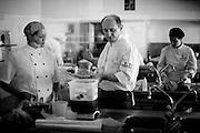 Belo Horizonte_MG, Brazil, 18th June 2009...O preparo dos pratos e molhos por Paco Perez sao verdadeiras alguimias, que demoram horas, e até dias para serem finalizadas. ..PHOTO: BRUNO MAGALHAES / NITRO