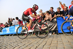 Michael Matthews (AUS) Team Sunweb climbs the Paterberg for the last time during the 2019 Ronde Van Vlaanderen 270km from Antwerp to Oudenaarde, Belgium. 7th April 2019.<br /> Picture: Eoin Clarke | Cyclefile<br /> <br /> All photos usage must carry mandatory copyright credit (© Cyclefile | Eoin Clarke)