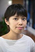Sakiko Tsukashima ägare av Corne tupplurscafé, ett café med sovsal och en enklare matservering, Tokyo, Japan
