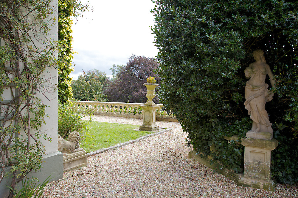 View of the side garden at The Old Rectory, Chumleigh, Devon <br /> CREDIT: Vanessa Berberian for The Wall Street Journal<br /> LUXRENT-Nanassy/Chulmleigh