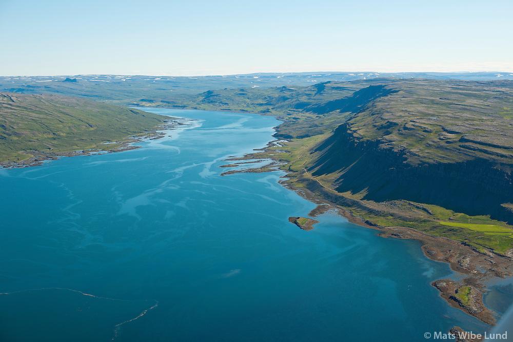 Laugaland fyrir miðju hegra megin, en Flókavellir - vestan fjarðarins - enn innar. Þorskafjörður séð til austurs. Reykhólahreppur. /  Laugaland in the centre right,. Flokavellir on the left side of the fiord. Thorskafjordur viewing east. Reykholahreppur.