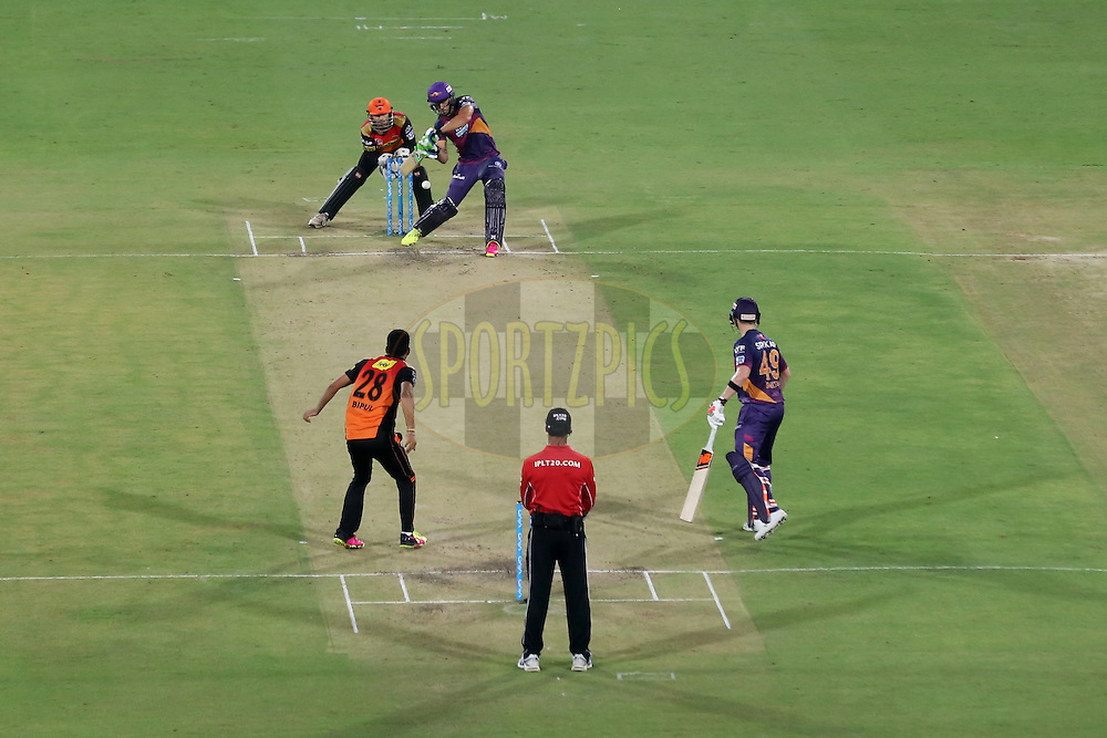 Faf du Plessis of Raising Pune Supergiants plays a shot during match 22 of the Vivo IPL 2016 (Indian Premier League ) between the Sunrisers Hyderabad and the Rising Pune Supergiants held at the Rajiv Gandhi Intl. Cricket Stadium, Hyderabad on the 26th April 2016<br /> <br /> Photo by Faheem Hussain / IPL/ SPORTZPICS