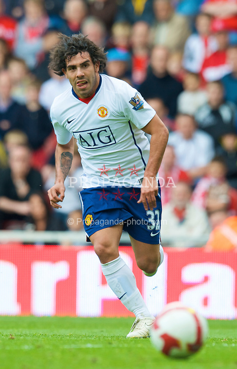 MIDDLESBROUGH, ENGLAND - Saturday, May 2, 2009: Manchester United's Carlos Tevez in action against Middlesbrough during the Premiership match at the Riverside Stadium. (Pic by David Rawcliffe/Propaganda)