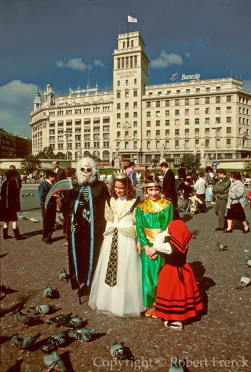 SPAIN, BARCELONA Plaza Catalunya Carnival costumes