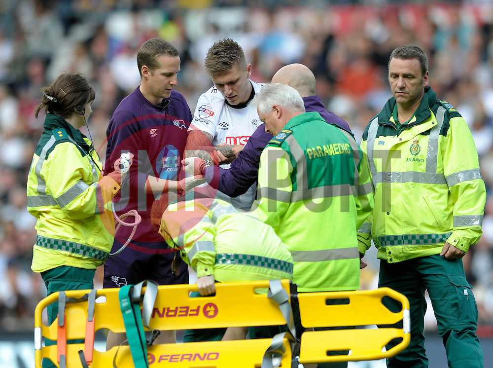 Derby County's Jeff Hendrick is forced off with an injury - Photo mandatory by-line: Dougie Allward/JMP - Mobile: 07966 386802 30/08/2014 - SPORT - FOOTBALL - Derby - iPro Stadium - Derby County v Ipswich Town - Sky Bet Championship