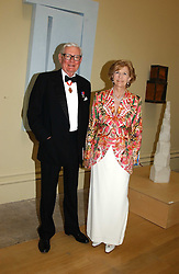 SIR ANTHONY & LADY TENNANT at the Royal Academy dinner before the official opening of the Summer Exhibition held at the Royal Academy of Art, Burlington House, Piccadilly, London W1 on 1st June 2005.<br /><br />NON EXCLUSIVE - WORLD RIGHTS