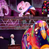 Nederland, Amsterdam , 12 november 2009..De Elephant Parade zet zich in voor het behoud van de Aziatische olifant. Na de succesvolle edities in Rotterdam en Antwerpen is de tentoonstelling in Amsterdam de grootste tot nu toe. De olifanten zijn beschilderd door kunstenaars uit binnen- en buitenland..Na afloop van de tentoonstelling worden de beelden op 12 november onder leiding van Christie's geveild in de Zuiveringshal op het Westergasfabriek terrein. De netto opbrengst van de veiling gaat naar Elephant Family, de door Mark Shand opgerichte stichting ter bescherming van de Aziatische olifant. De Elephant Parade zet zich in voor het behoud van de Aziatische olifant. .The Elephant Parade is committed to the conservation of Asian elephant. The proceeds from the auction of the painted elephants will go to Elephant Family, the foundation to protect the Asian elephant.