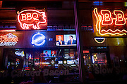 Patrons of Jethro's BBQ 'n Bacon Bacon watch the Republican Presidential Debate on television during a watch party in Des Moines, IA, USA, 28 January 2016.