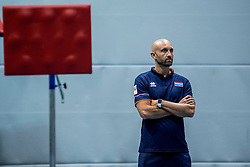 10-05-2018 NED: Training Dutch volleyball team women, Arnhem<br /> Coach Jamie Morrison