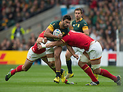 Twickenham, Great Britain, Damian DE ALLENDE, finding his way through the gap, during the Quarter Final 1 game, South Africa vs Wales.  2015 Rugby World Cup,  Venue, Twickenham Stadium, Surrey, ENGLAND.  Saturday  17/10/2015.   [Mandatory Credit; Peter Spurrier/Intersport-images]