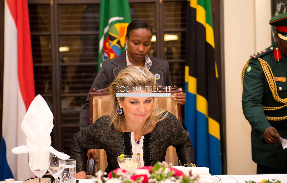 11-12-2013 - 0-12-2013 - TANZANIA DAR ES SALAAM  Queen Maxima of the Netherlands during meeting  with H.E. President of United Republic of Tanzania Dr. Jakaya Mrisho Kikwete, State House<br />  with First Lady, Mama Salma Kikwete.<br />  Her Majesty Queen Máxima United Nations Secretary-Geneneral's Special Advocate for Inclusive Finance for Development will visit 5 days ethiopia and tanzania. Her Majesty Queen Máxima visits in her capacity as a special advocate of the Secretary-General of the United Nations in the field of inclusive finance for development (inclusive finance for development) Ethiopia and Tanzania from Monday 9 to Friday, December 13, 2013. COPYRIGHT ROBIN UTRECHT