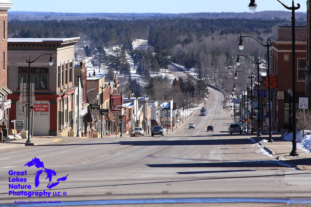 Making my way south from the Keweenaw, I decided to stop in the town of Crystal Falls, another of the Upper Peninsula's great spots, rich with history and fantastic, well-preserved architecture.
