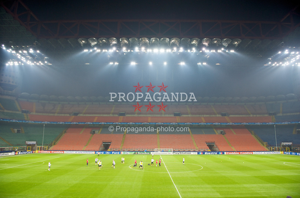 MILAN, ITALY - Monday, March 10, 2008: Liverpool players training at the San Siro Stadium ahead of the UEFA Champions League First knockout round 2nd Leg match against FC Internazionale Milano. (Pic by David Rawcliffe/Propaganda)