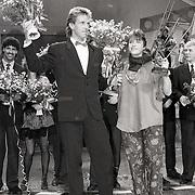 NLD/Bussum/19881222 - Sportverkiezing van het Jaar 1988 in het Spant, optreden, Steven Rooks en Yvonne van Gennip