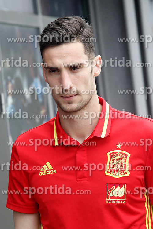 22.03.2016, Ciudad del Futbol de Las Rozas, Madrid, ESP, RFEF, Pressekonferenz spanische Fu&szlig;ballnationalmannschaft, im Bild Sergio Rico // during a press conference of spanish national football Team at the Ciudad del Futbol de Las Rozas in Madrid, Spain on 2016/03/22. EXPA Pictures &copy; 2016, PhotoCredit: EXPA/ Alterphotos/ Acero<br /> <br /> *****ATTENTION - OUT of ESP, SUI*****