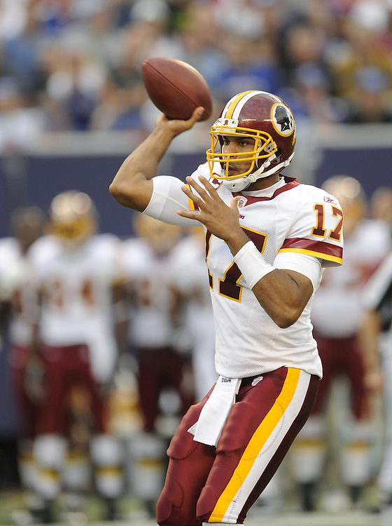 EAST RUTHERFORD, NJ - SEPTEMBER 13: Jason Campbell #17 of the Washington Redskins passes against the New York Giants during their game on September 13, 2009 at Giants Stadium in East Rutherford, New Jersey. (Photo by Rob Tringali) *** Local Caption *** Jason Campbell