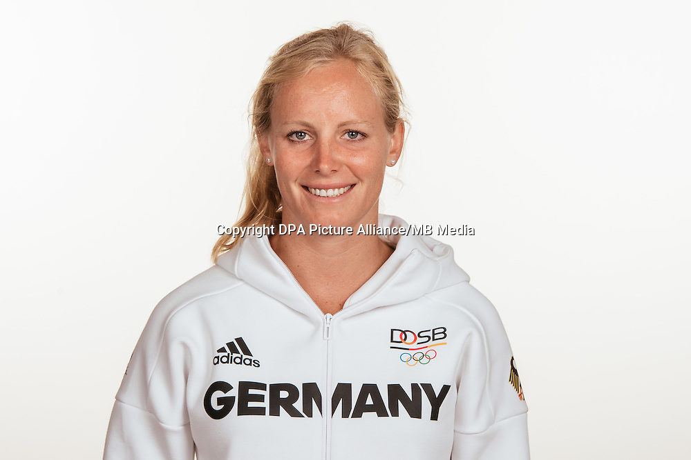 Hannah Krüger poses at a photocall during the preparations for the Olympic Games in Rio at the Emmich Cambrai Barracks in Hanover, Germany, taken on 15/07/16 | usage worldwide