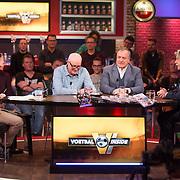 NLD/Hilversum/20171215 - Dick Advocaat te gast bij Voetbal Inside, Wilfred Genee, Rene van der Gijp, Dick Advocaat en Johan Derksen
