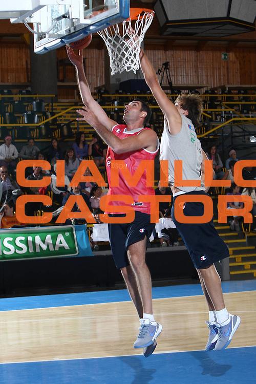 DESCRIZIONE : Bormio Raduno Collegiale Nazionale Italiana Maschile Allenamento<br /> GIOCATORE : Matteo Soragna<br /> SQUADRA : Nazionale Italia Uomini <br /> EVENTO : Raduno Collegiale Nazionale Italiana Maschile <br /> GARA : <br /> DATA : 09/07/2009 <br /> CATEGORIA : tiro penetrazione<br /> SPORT : Pallacanestro <br /> AUTORE : Agenzia Ciamillo-Castoria/G.Ciamillo