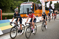 Wiggle High5 make their way to the sign on at Boels Ladies Tour 2018 - Stage 2, a 137.9km road race in Nijmegen, Netherlands on August 29, 2018. Photo by Sean Robinson/velofocus.com
