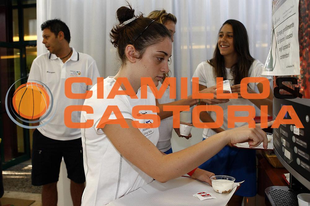 DESCRIZIONE : Acqua Acetosa Basket Centro Sportivo CONI College Italia<br /> GIOCATORE : team <br /> SQUADRA : college italia<br /> EVENTO : College Italia<br /> GARA : <br /> DATA : 03/09/2009<br /> CATEGORIA : Allenamento colazione<br /> SPORT : Pallacanestro <br /> AUTORE : Agenzia Ciamillo-Castoria/E.Castoria