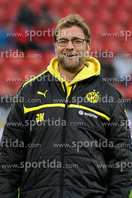 03.02.2013, BayArena, Leverkusen, GER, 1. FBL, Bayer 04 Leverkusen vs Borussia Dortmund, 20. Runde, im Bild Trainer Juergen Klopp ( Borussia Dortmund/ Portrait ) lacht locker vor dem Spiel // during the German Bundesliga 20th round match between Bayer 04 Leverkusen and Borussia Dortmund at the BayArena, Leverkusen, Germany on 2013/02/03. EXPA Pictures © 2013, PhotoCredit: EXPA/ Eibner/ Thomas Thienel..***** ATTENTION - OUT OF GER *****