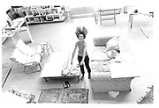 Linda Bruce in her Powis Sq. penthouse flat. London 1982 approx.© Copyright Photograph by Dafydd Jones 66 Stockwell Park Rd. London SW9 0DA Tel 020 7733 0108 www.dafjones.com