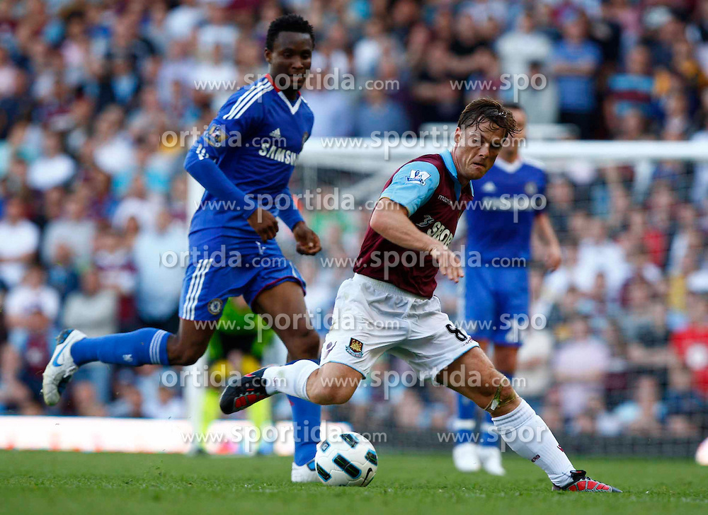 11.09.2010, Boleyn Ground Upton Park, London, ENG, PL, West Ham United vs FC Chelsea, im Bild Scott Parker of West Ham United   Barclays Premier League West Ham United v Chelsea.at Boleyn Ground Upton Park. EXPA Pictures © 2010, PhotoCredit: EXPA/ IPS/ Kieran Galvin +++++ ATTENTION - OUT OF ENGLAND/UK +++++ / SPORTIDA PHOTO AGENCY