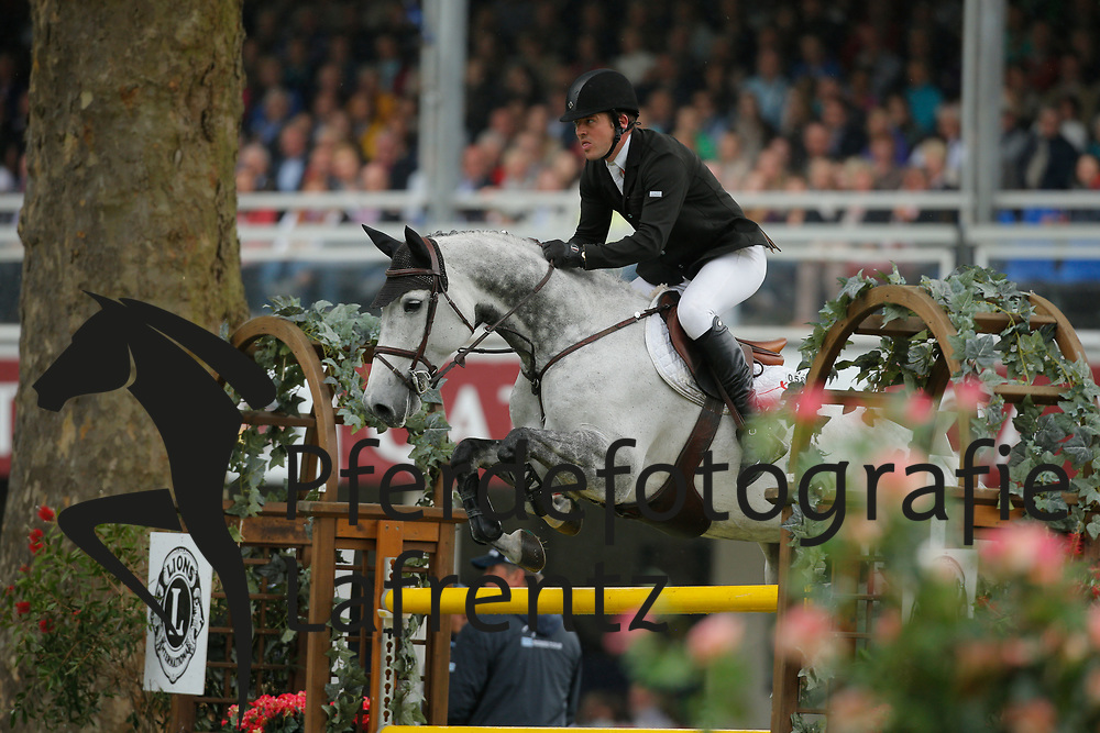 Davenport, James, Cochella<br /> Wiesbaden - Pfingstturnier 2015<br /> Grosser Preis von Wiesbaden Riders Tour Etappe<br /> © www.sportfotos-lafrentz.de/Stefan Lafrentz