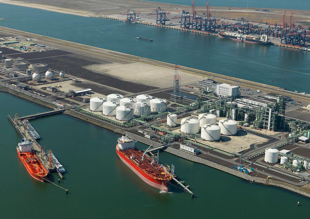 Nestle terminal van Nestle oil aan de Europahaven op de Maasvlakte