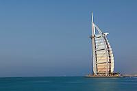 Emirats Arabes Unis, Dubai, Jumeirah beach, hotel Burj Al Arab // United Arab Emirates, Dubai, Jumeira beach, Burj Al Arab hotel