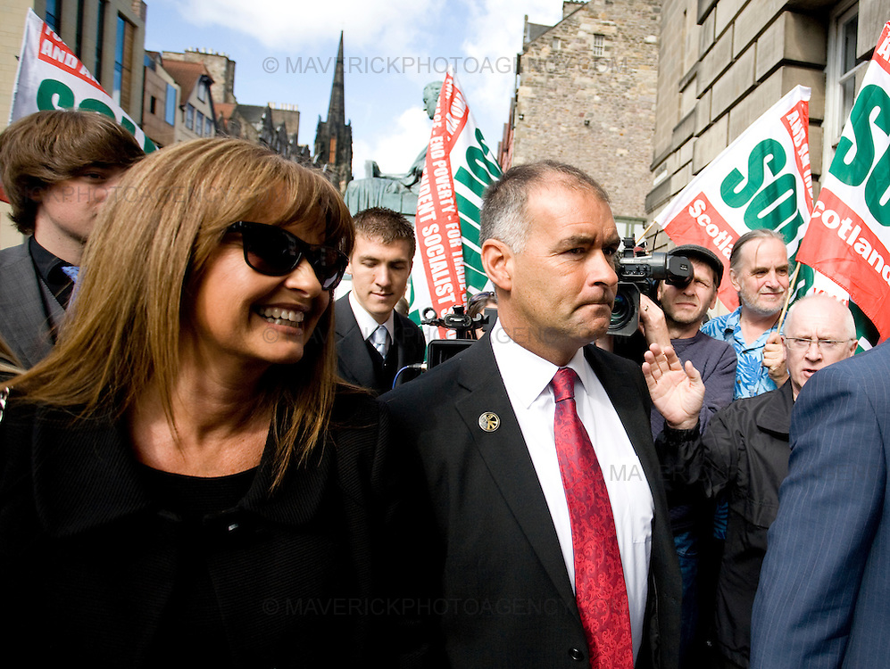 Tommy Sheridan and his wife Gail arrives at Edinburgh High Court for there pre trial hearing...Picture Michael Hughes/Maverick.