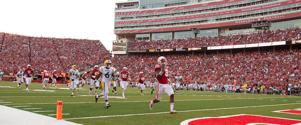 Nebraska's Nebraska Cornhuskers running back Ameer Abdullah (8)during their Saturday Sept 7, 2013 NCAA football game in Lincoln, Neb.(Photo by/John S. Peterson)