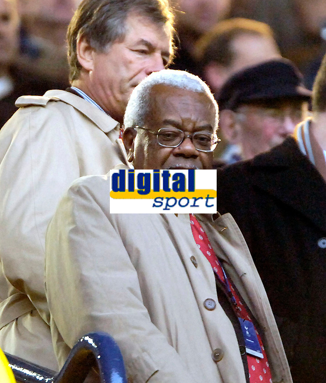 Photo: Ed Godden.<br /> Tottenham Hotspur v Chelsea. The Barclays Premiership. 05/11/2006. Sir Trevor Macdonald watches from the stands.