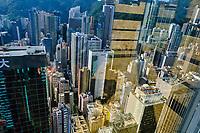 Chine, Hong Kong, Hong Kong Island, vue depuis la tour de Central Plaza // China, Hong-Kong, Hong Kong Island, view from Central Plaza tower
