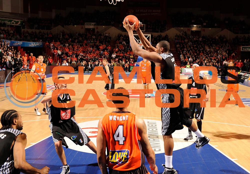 DESCRIZIONE : Ligue France Pro A Msb Le Mans Orleans<br /> GIOCATORE : Coville Ryvon<br /> SQUADRA : Orleans <br /> EVENTO : FRANCE Ligue  Pro A 2009-2010<br /> GARA : Le Mans Orleans<br /> DATA : 23/01/2010<br /> CATEGORIA : Basketball Pro A Action<br /> SPORT : Basketball<br /> AUTORE : JF Molliere par Agenzia Ciamillo-Castoria <br /> Galleria : France Ligue Pro A 2009-2010 <br /> Fotonotizia : Ligue France 2009-10 Pro A Msb Le Mans Orleans <br /> Predefinita :