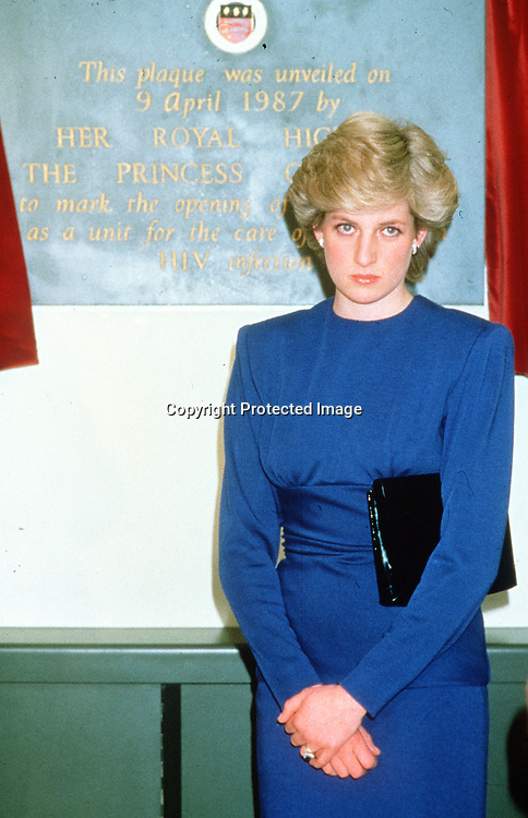Diana, Princess of Wales opens a new Aids ward at the Middlesex Hospital in London on April 9, 1987. (Photo by Anwar Hussein)