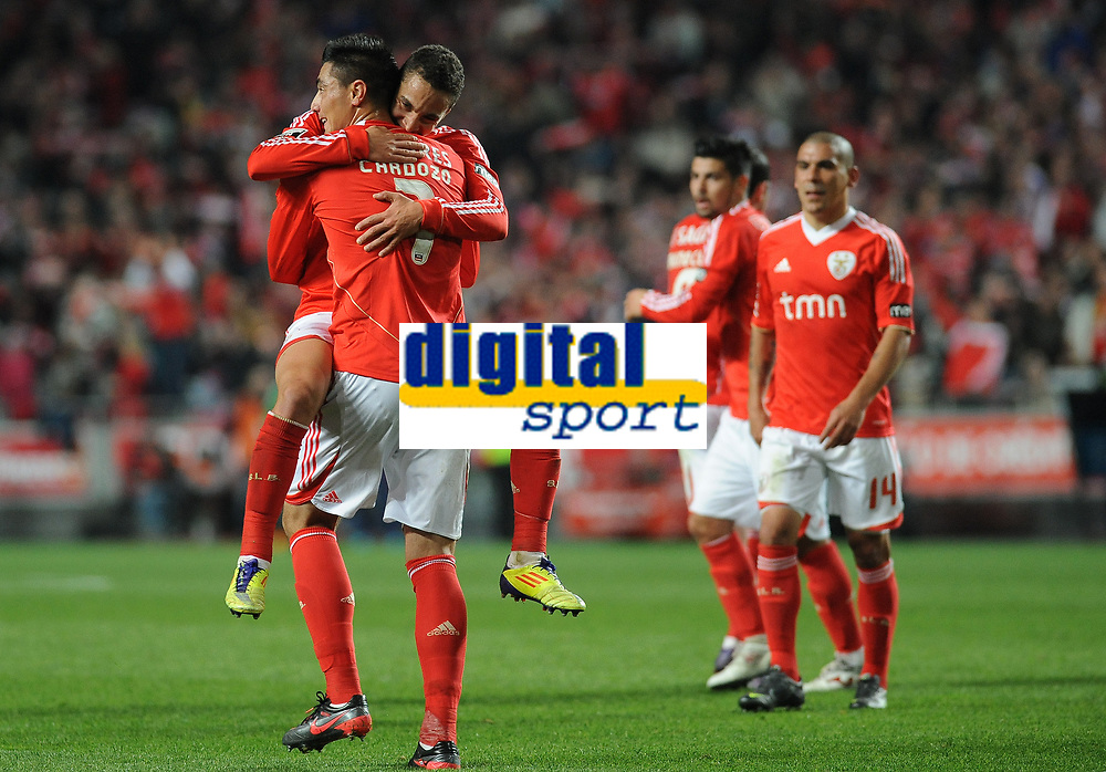 20120114: LISBON, PORTUGAL – Liga Zon Sagres 2011/2012: SL Benfica vs V. Setubal. In picture: Rodrigo and Cardozo (Benfica).<br />