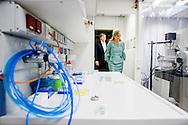 9-2-2017 - LEIPZIG - Handelsmissie chemie <br /> Locatie: Leipziger KUBUS, Helmholtz-Institut f&uuml;r Umweltforschung (UFZ) <br />  King Willem-Alexander and Maxima Conversation and lunch, Prime Minister Tillich Location: Altes Rathaus.   King Willem-Alexander and Maxima will visit from Tuesday 7 to Friday, February 10th, 2017 a working visit to the German states of Thuringia Th&uuml;ringen, Saxony and Saxony-Anhalt  Saksen en Saksen-Anhalt. Copyright ROBIN UTRECHT LEIPZIG - Koning Willem-Alexander en koningin Maxima wonen een bijeenkomst met experts uit de chemische sector bij in de Leipziger KUBUS tijdens het werkbezoek aan de Duitse deelstaten Saksen, Saksen-Anhalt en Thuringen.  <br /> Aansluitend lopen de Koning en Koningin naar het informatiecentrum ter nagedachtenis aan dwangarbeiders. De paar krijgt uitleg over de gebeurtenissen tijdens de Tweede Wereldoorlog aan de hand van een fotoalbum uit die tijd van de Nederlandse dwangarbeider Gerard-Jan Jochems.