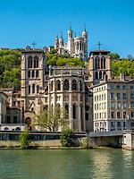 Primatiale Saint-Jean-Baptiste-et-Saint-Etienne (dite aussi, plus simplement, cathedrale Saint-Jean) & Fourviere