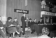 30/03/1963<br /> 03/30/1963<br /> 30 March 1963<br /> Gael - Linn Annual Debating Competition  for Secondary Schools awards presented at the Shelbourne Hotel, Dublin. <br /> Ailin Hudson, O'Connell's Schools Dublin, Individual winner Corn Gael-Linn speaking. Included are Col. Eoin O'Neill, Head of the Command and Staff School, Curragh; Aongus O'hEochaidh, (Bord Gael-Linn); Domhnall O'Morain (Chairman, Gael-Linn); Dr. P. Hillery, Minister for Education and Proinnsias Mac a'Bheatha (Stiurthoir Inniu).