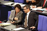 24 OCT 2003, BERLIN/GERMANY:<br /> Ute Vogt (L), SPD, Parl. Staatssekretaer im Bundesinnenministerium, und Hans Martin Bury (R), SPD, Staatsminister im Auswaertigen Amt, im Gespraech, Bundestagsdebatte zur Rentenreform, Plenum, Deutscher Bundestag<br /> IMAGE: 20031024-01-053