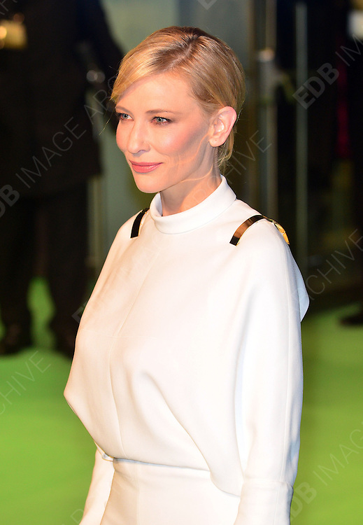 12.DECEMBER.2012. LONDON<br /> <br /> CELEBRITIES ATTEND THE HOBBIT UK FILM PREMIERE HELD AT THE ODEON LEICESTER SQUARE LONDON.<br /> <br /> BYLINE: EDBIMAGEARCHIVE.CO.UK<br /> <br /> *THIS IMAGE IS STRICTLY FOR UK NEWSPAPERS AND MAGAZINES ONLY*<br /> *FOR WORLD WIDE SALES AND WEB USE PLEASE CONTACT EDBIMAGEARCHIVE - 0208 954 5968*