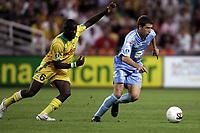 Fotball<br /> Frankrike 2005/2006<br /> Foto: Dppi/Digitalsport<br /> NORWAY ONLY<br /> <br /> FOOTBALL - FRENCH CHAMPIONSHIP 2005/2006 - FC NANTES v AC AJACCIO - 13/08/2006 - ROMAIN ROCCHI (AJA) / EMERSE FAE (NAN)