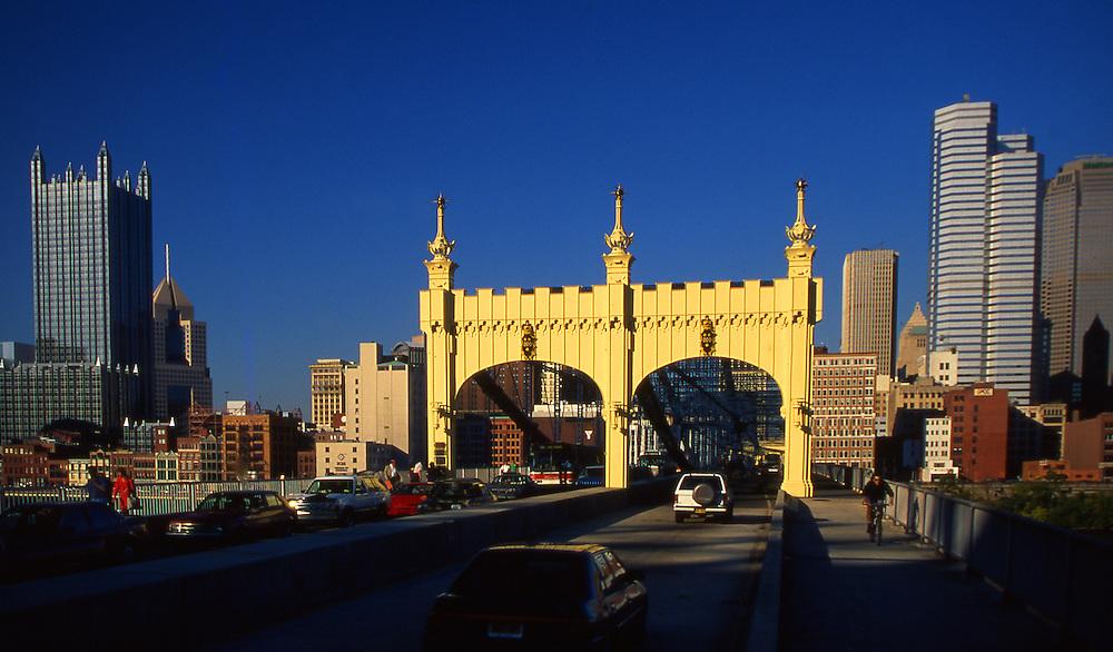 Pittsburgh skyline, PA, Smithfield Street Bridge, Builder John A. Roebling, PPG Place, Oxford Center
